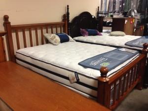 1133 Honey Oak (4) Post Bed