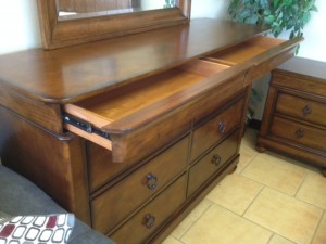 400 Palais Dresser w Hidden Drawers