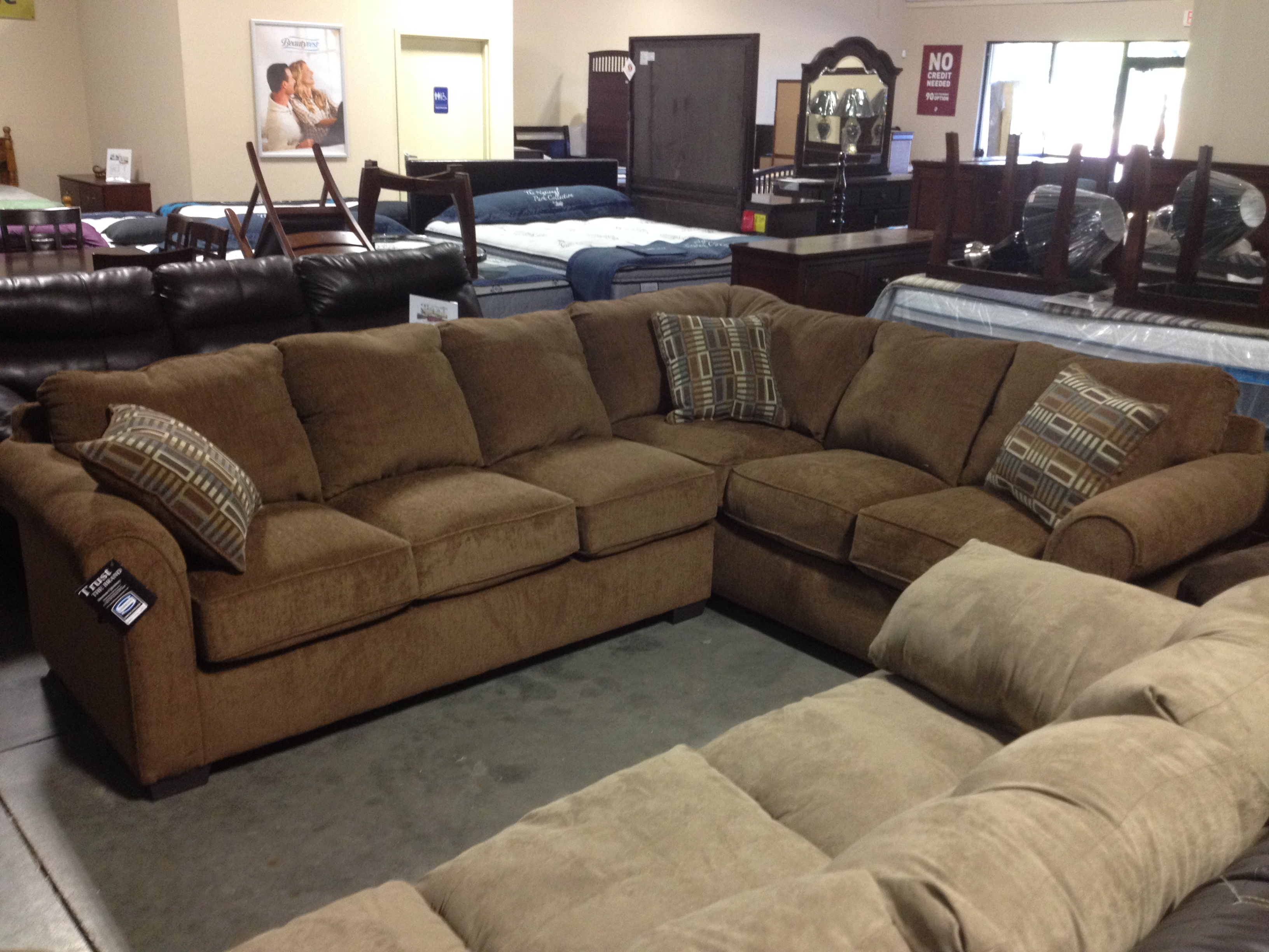 Get A Great Deal On New Simmons Living Room Furniture Chico